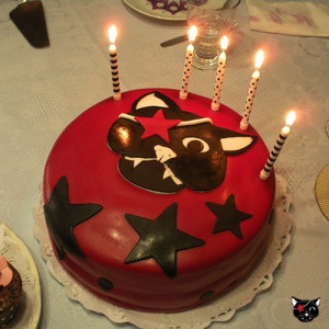 Tarta fondant Gato Pirata con velas